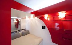 Amazing-247-Square-Foot-Red-Nest-Apartment-in-Paris-4